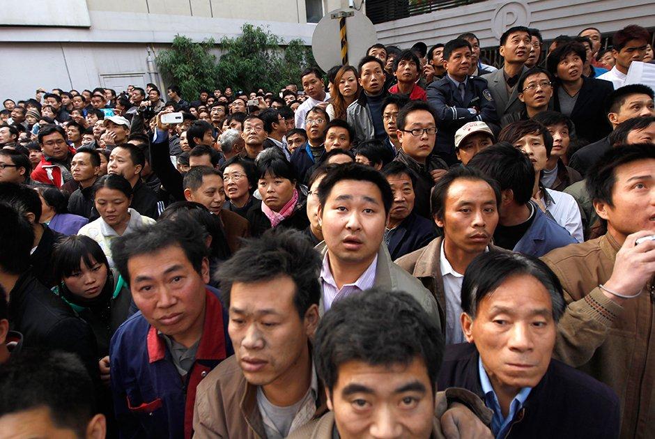 толпа китайцев