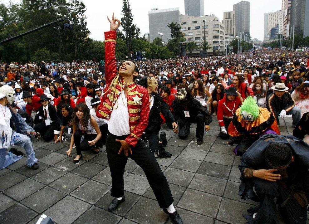 Фанаты Майкла Джексона