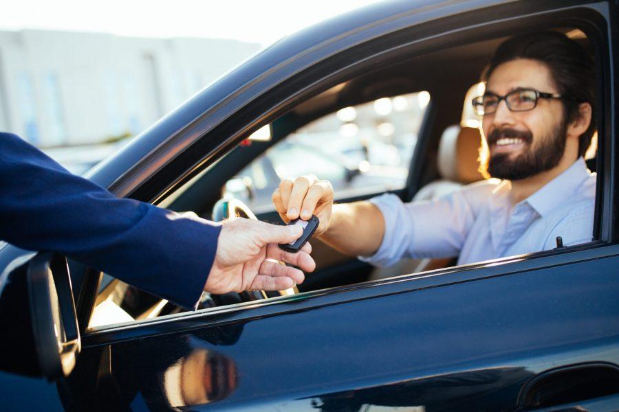 Взять напрокат автомобиль