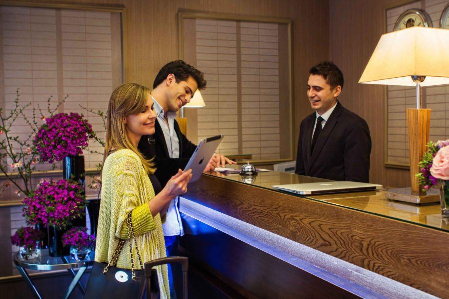 Общение с клиентами в гостинице