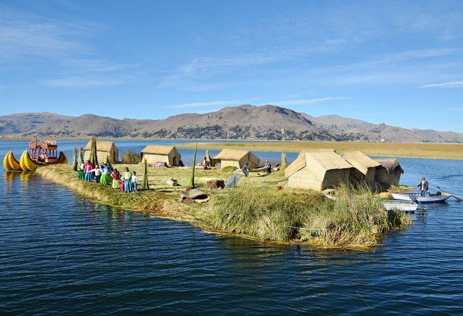 Дрейфующий город на озере Титикака