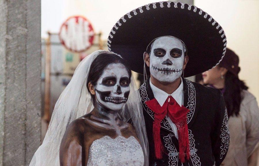 День Мертвых в Мексике и Хэллоуин в США