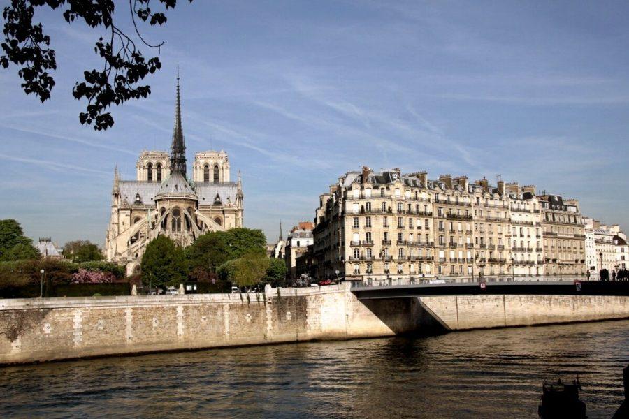 Набережная Сены в Париже