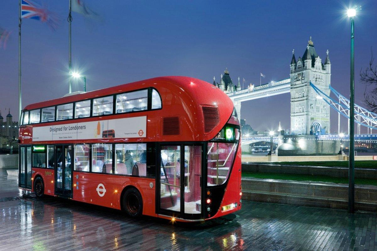 Двухэтажный автобус в Лондоне