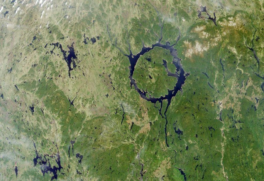 Маникуаган кратер в Канаде