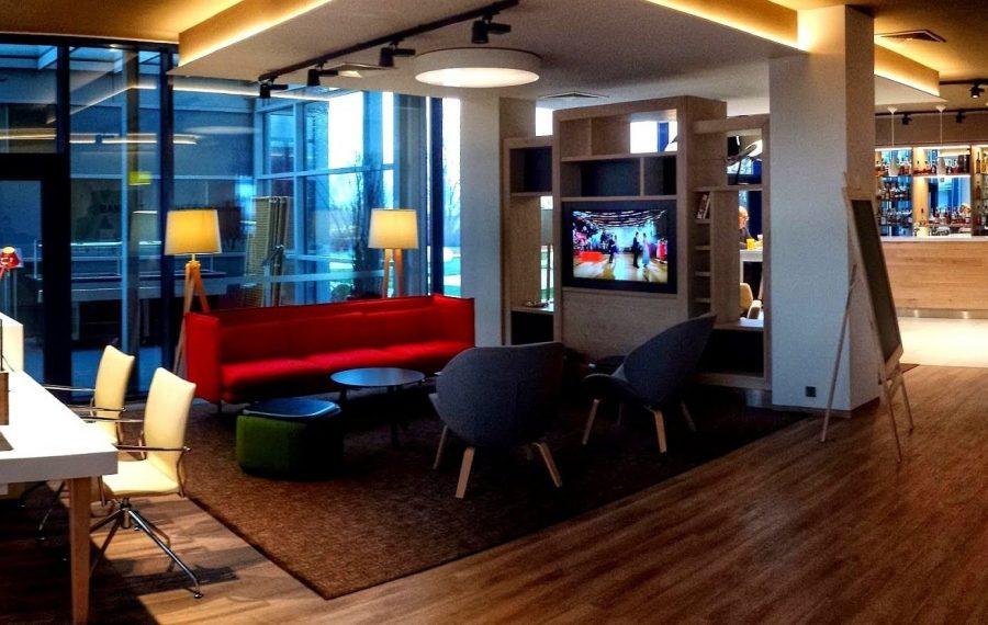 В зале Lounge Key в аэропорту