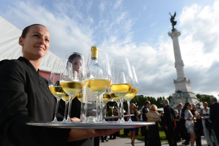 Знаменитый праздник вина в Бордо