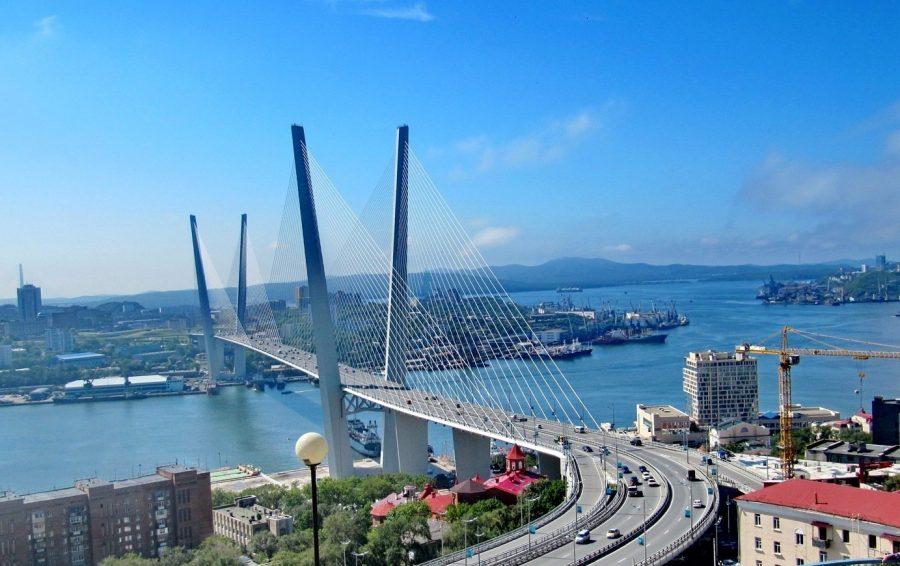 Бухта «Золотой рог» во Владивостоке