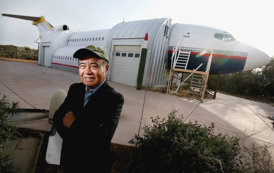 Инженер построил дом-самолет