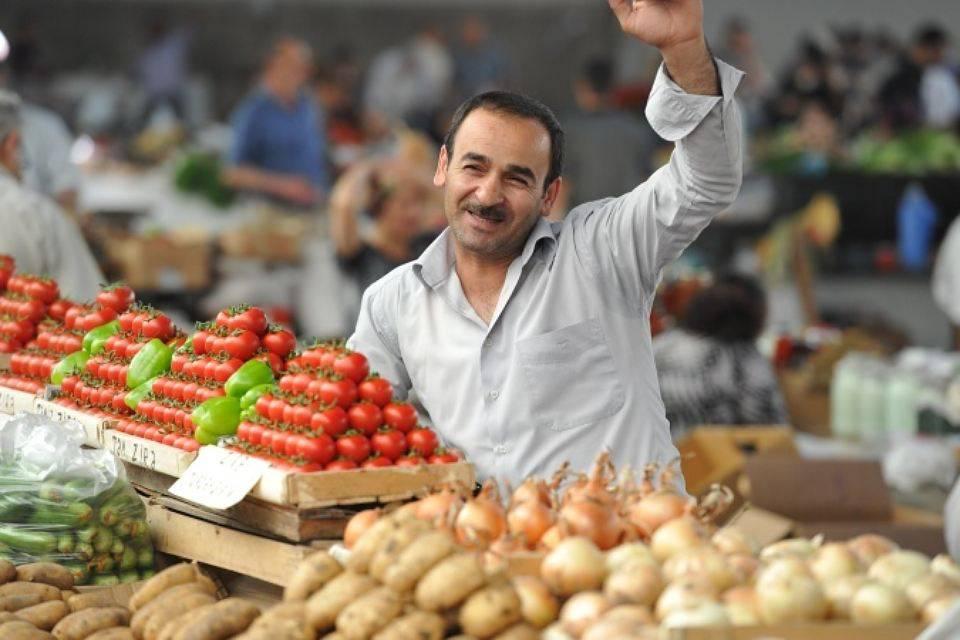 Продавец на рынке в Турции