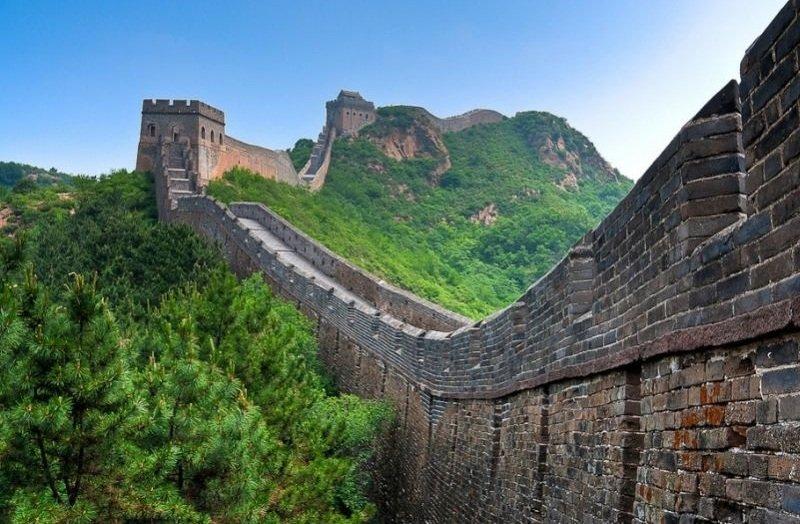 Великая Китайская стена растаскивается туристами
