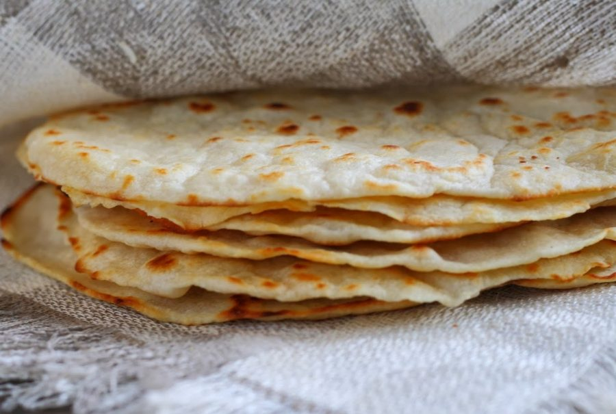 Традиционный хлеб тортилья в Мексике