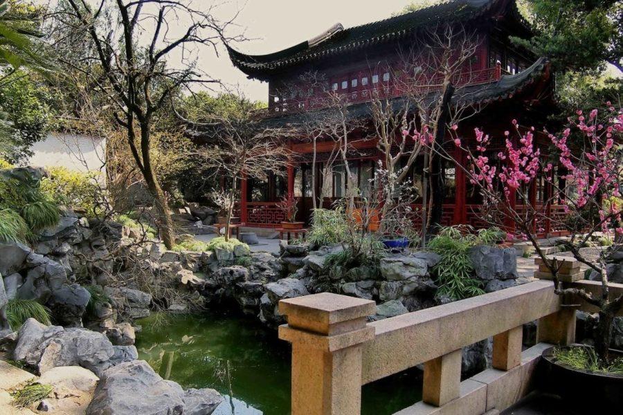 Красивый сад Юйюань в Шанхае