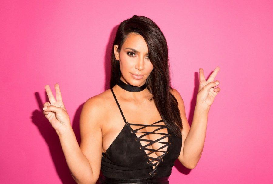 Ким Кардашьян ходит на шопинг с дизайнером