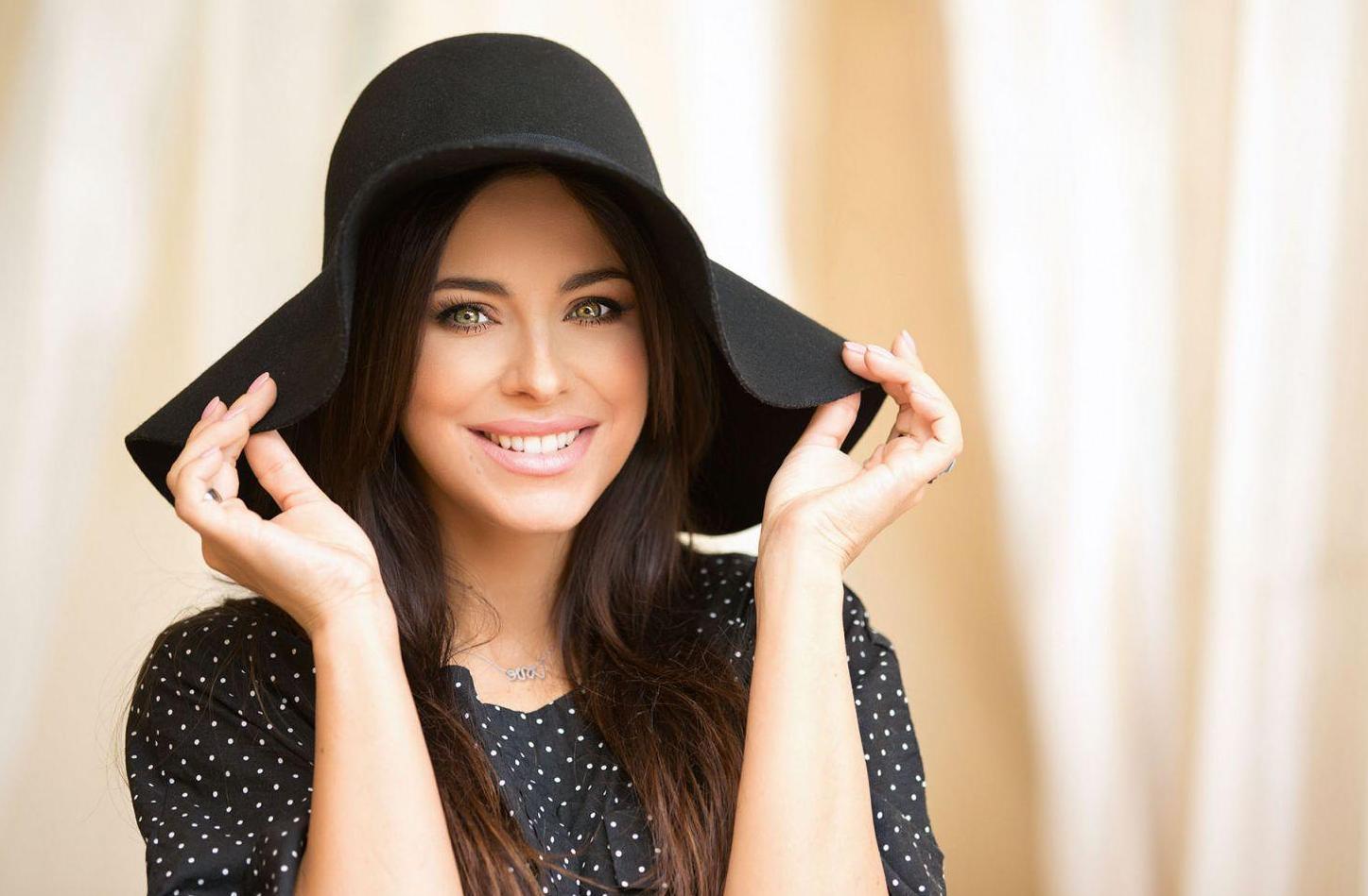 Ани Лорак ходит на шопинг в Киеве