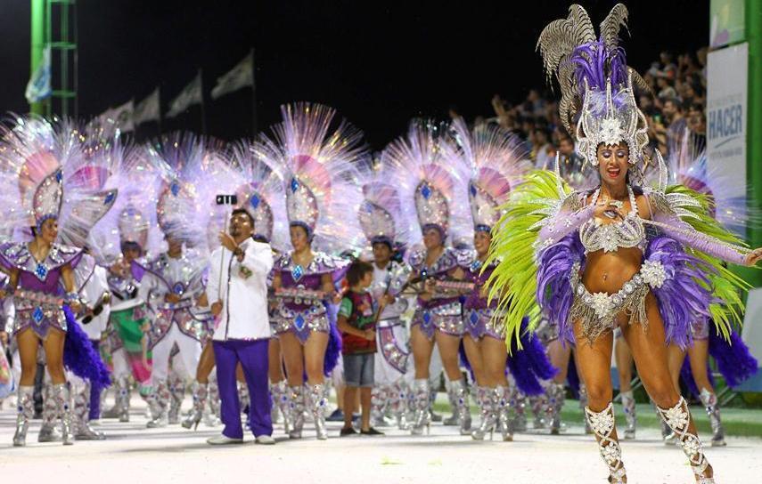 Красочный карнавал в Аргентине