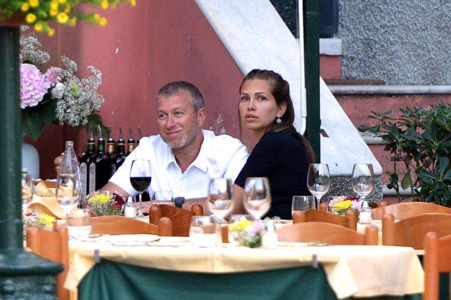 Роман Абрамович в ресторане