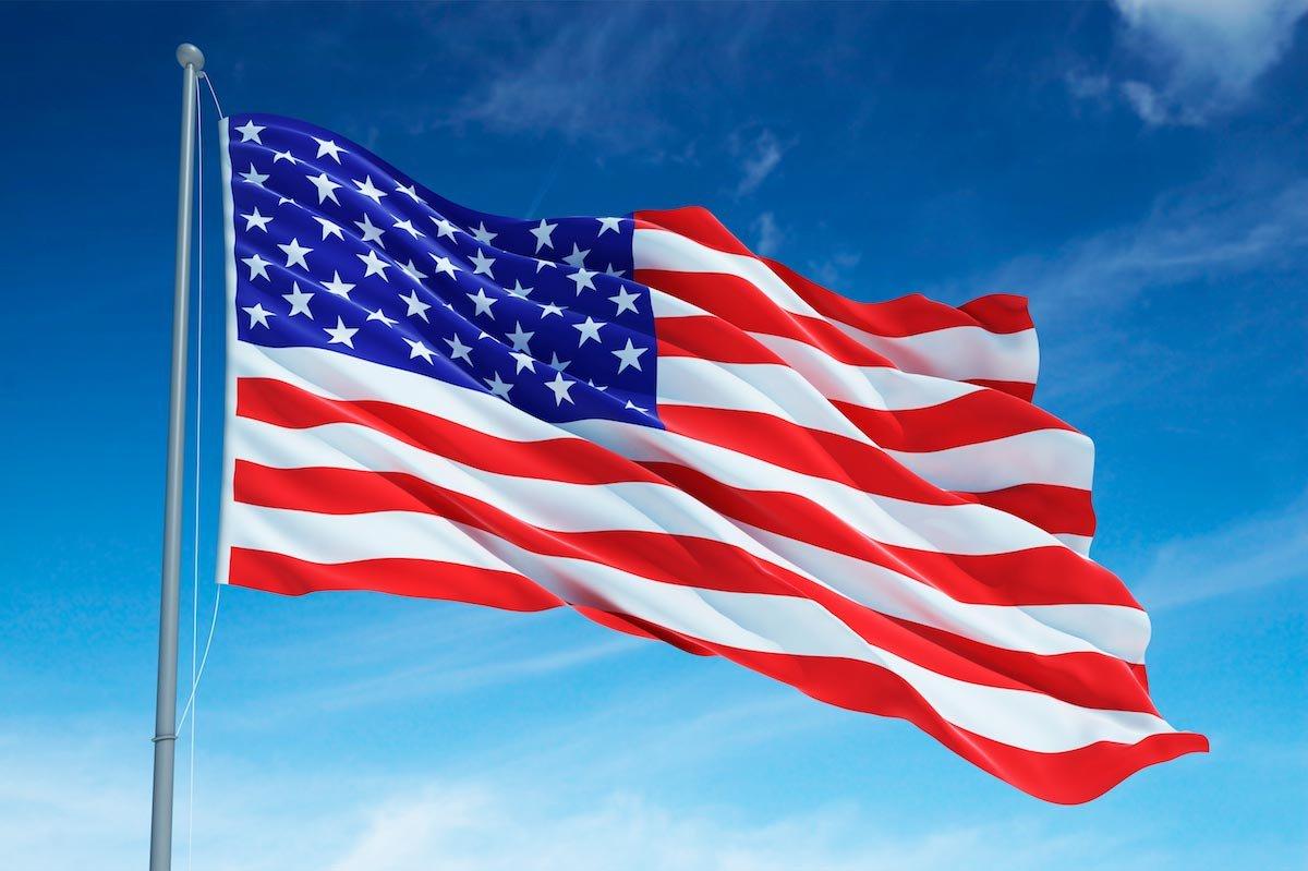 Американские флаги встречаются везде