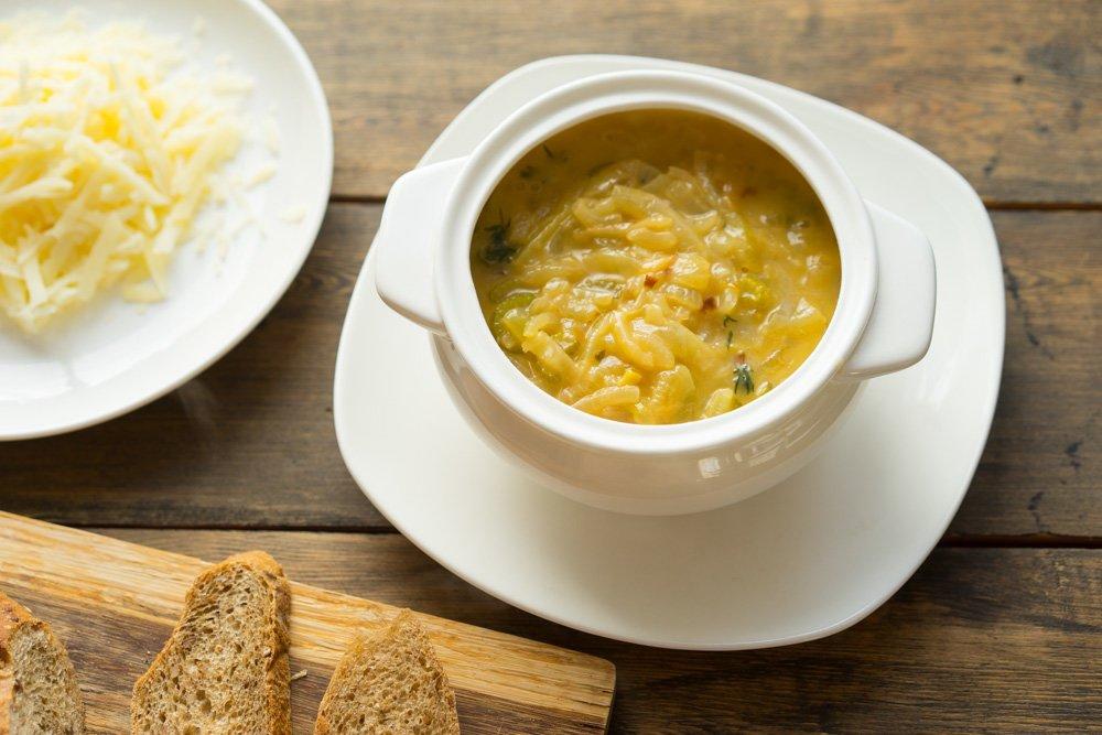 Луковый суп готовят во Франции