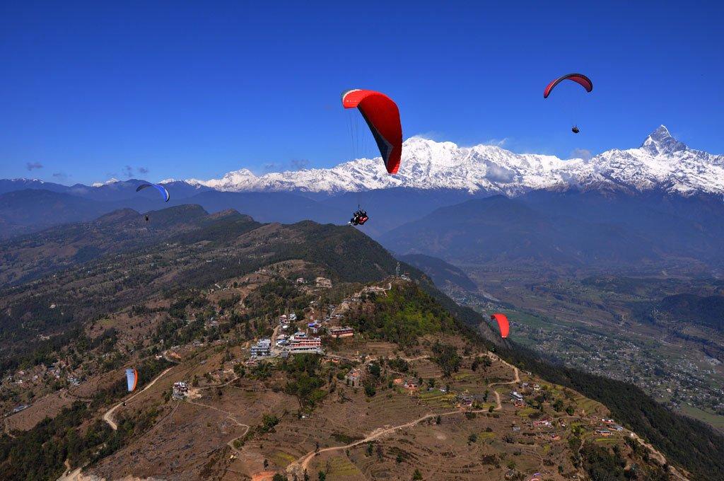 Полеты с горы Саранкот в городе Покхара