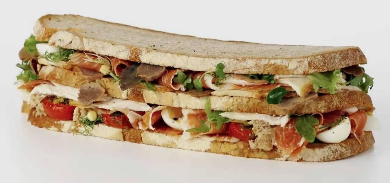 Платиновый клубный сэндвич фон Эссен