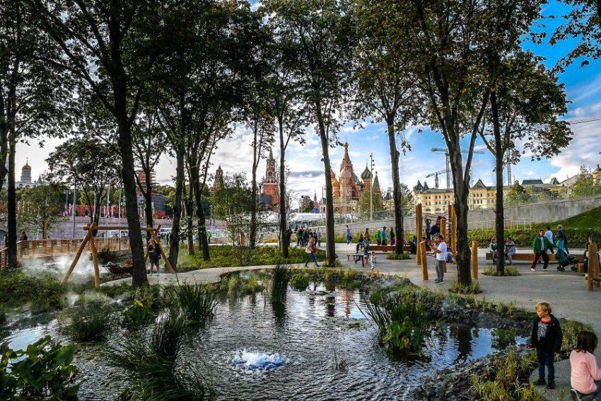 Красивый парк «Зарядье» в Москве
