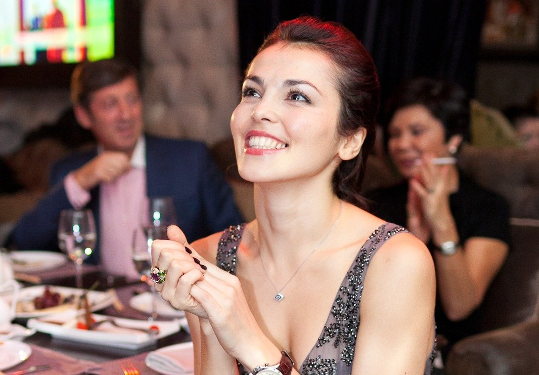 Сати Казанова в ресторане