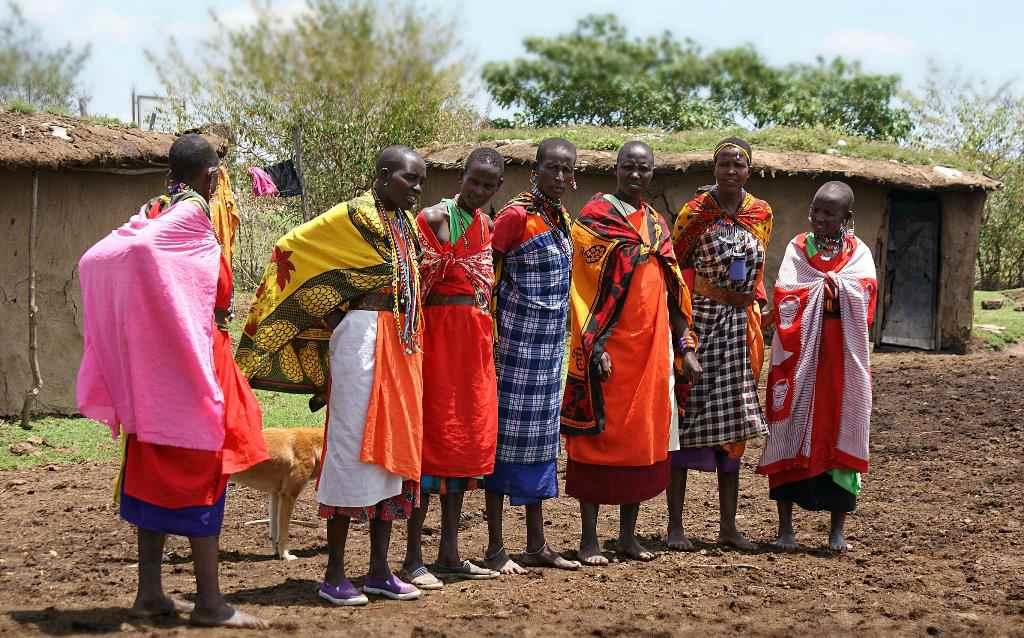 Мужчины перед свадьбой в Кении