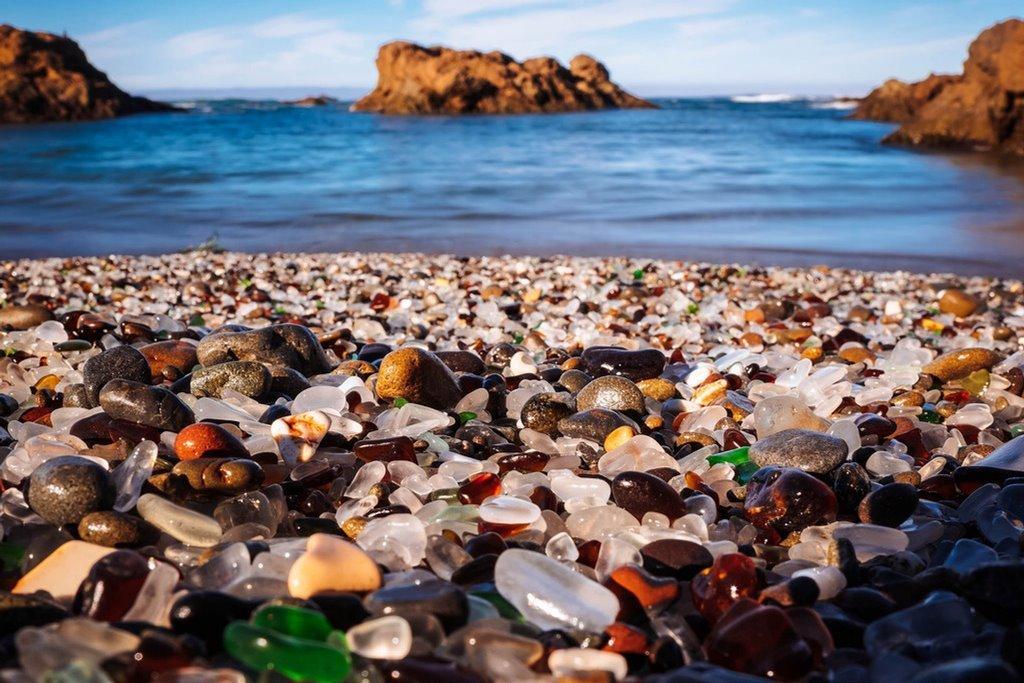 Стеклянный пляж в Америке