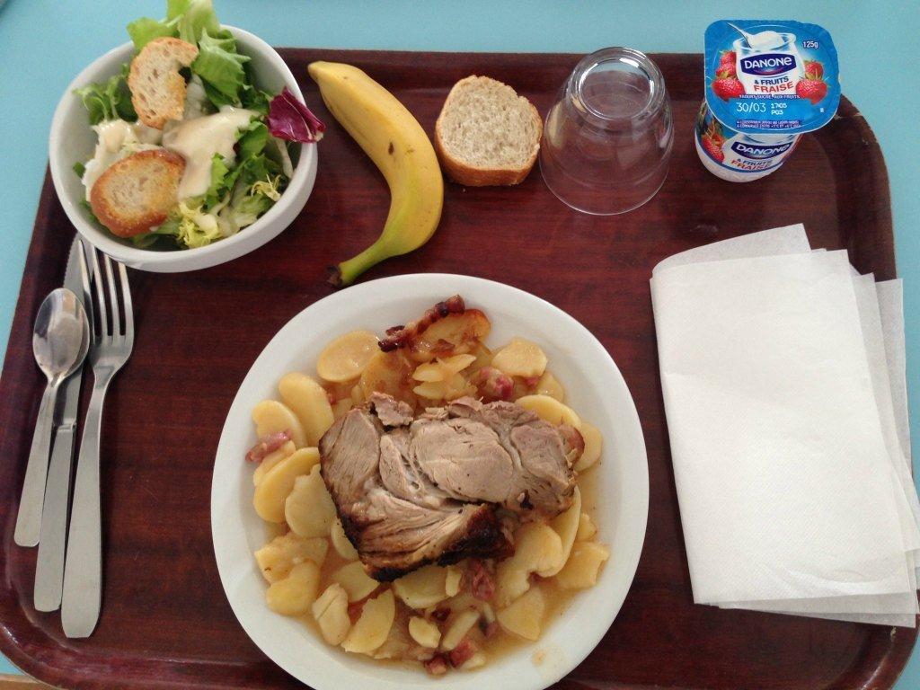 Французский обед в школе