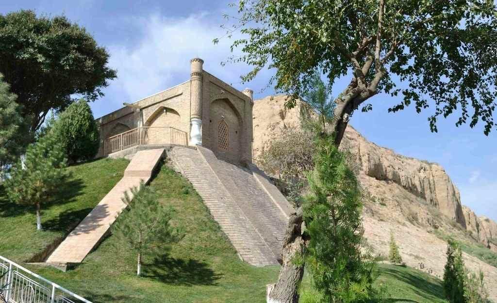 Мавзолей, где покоится Святой Данияр