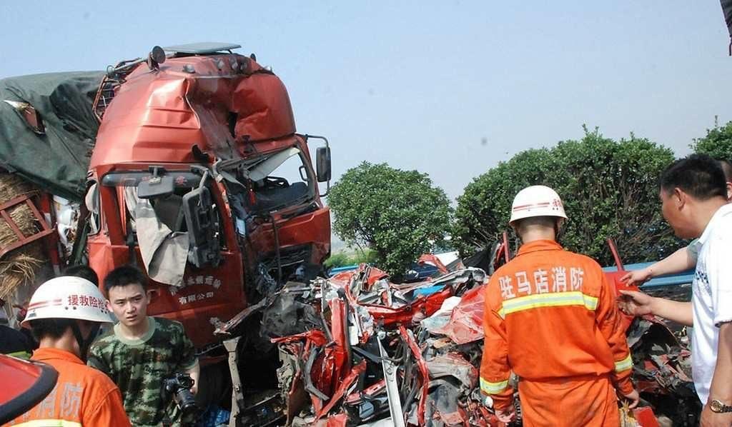 Китайцы не хотят навредит попавшим в аварию