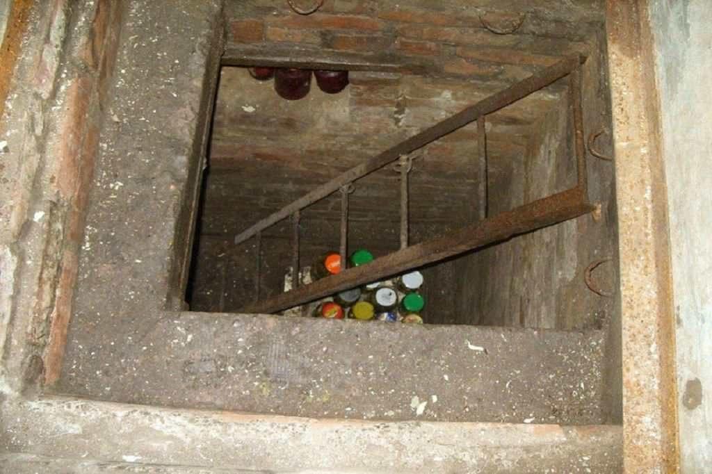 Подвал, в котором жила голландская семья