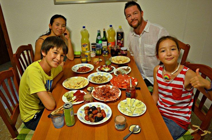 Ужин у испанцев начинается в 21:00