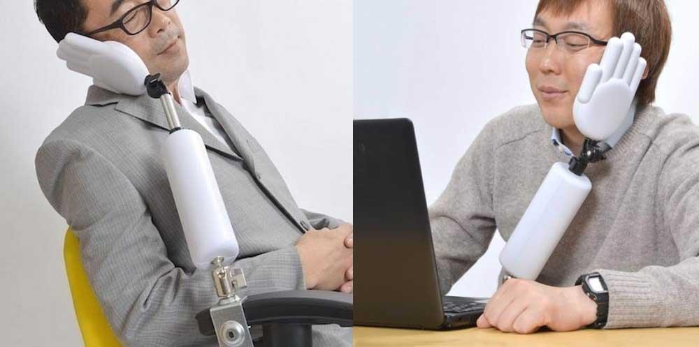 И за ноутбуком должно быть удобно
