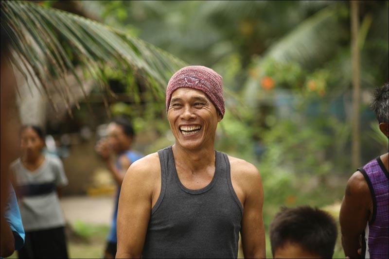 Филиппинцам приходится владеть тремя языками