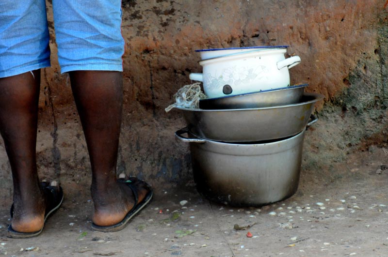 Лепешки из земли, по которой ходишь На Гаити