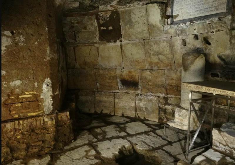 Тюрьма средне века как бесплатный бордель