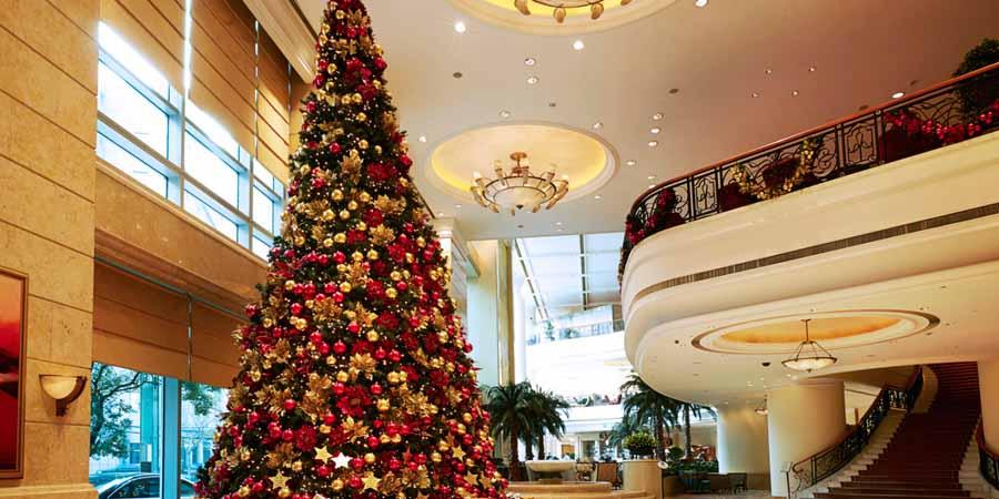 екоторые мусульманские государства лояльны к Новому году и даже могут нарядить елку для туристов