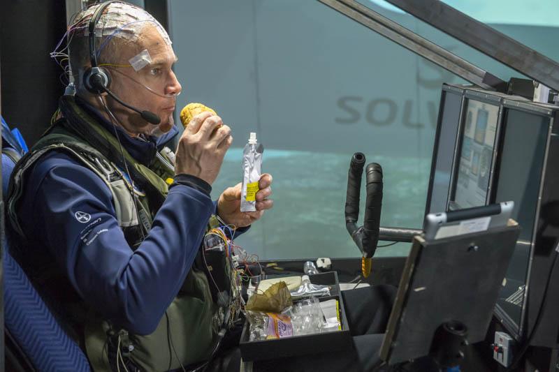 Разная еда для пилотов — почему это важно