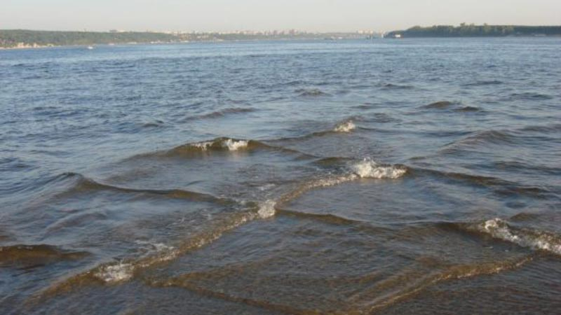 Как природа-затейница создает перекрестные волны
