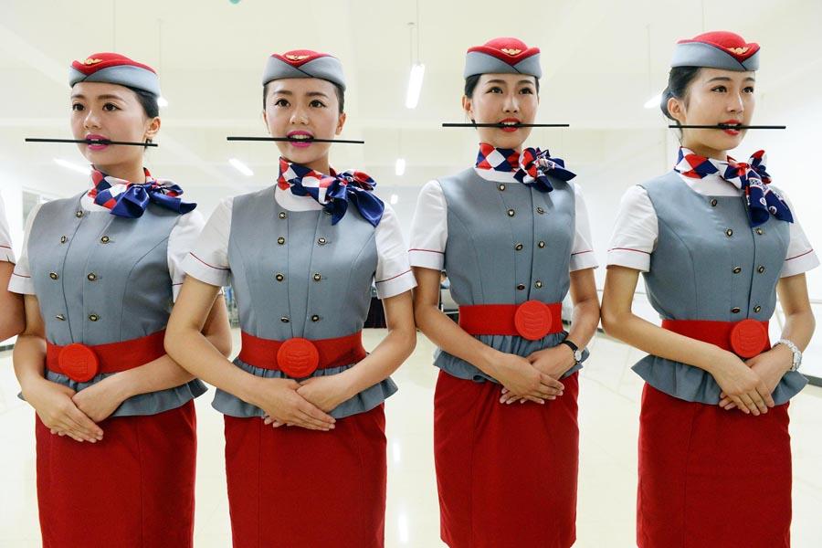 Подготовка стюардессы в Китае