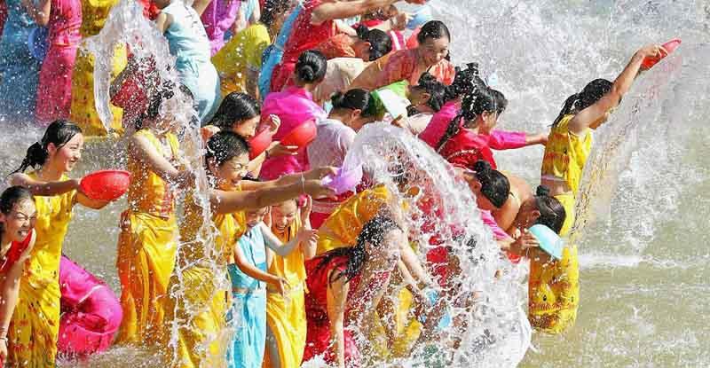 Бирма новый год фестиваль воды