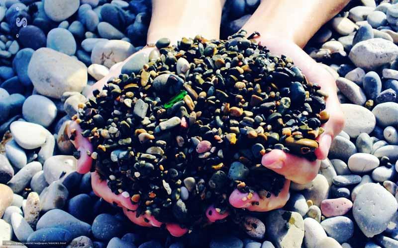 новый год Греки, идя в гости друг к другу, приносят с собой камни