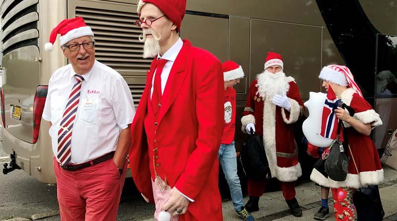 Италия Итальянцы обожают Санта Клауса и его наряды.
