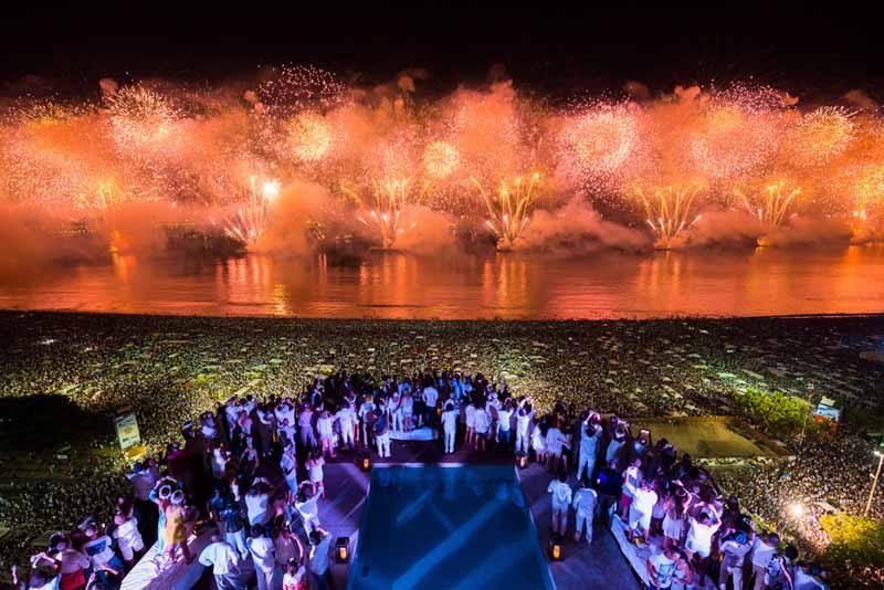 Бразилия новый год на пляже