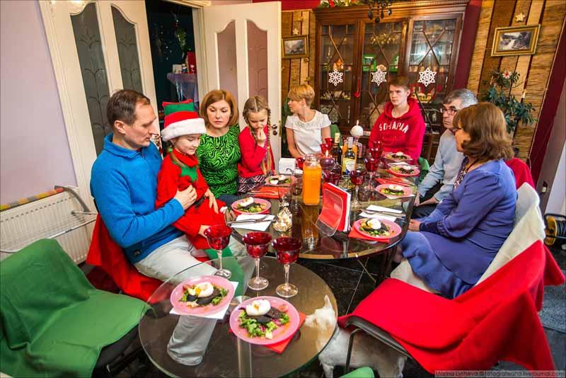 В Ирландии в новогодний вечер все жители открывают двери своих домов