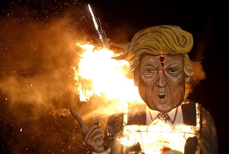 В Панаме в новогодние праздники сжигают чучела известных людей