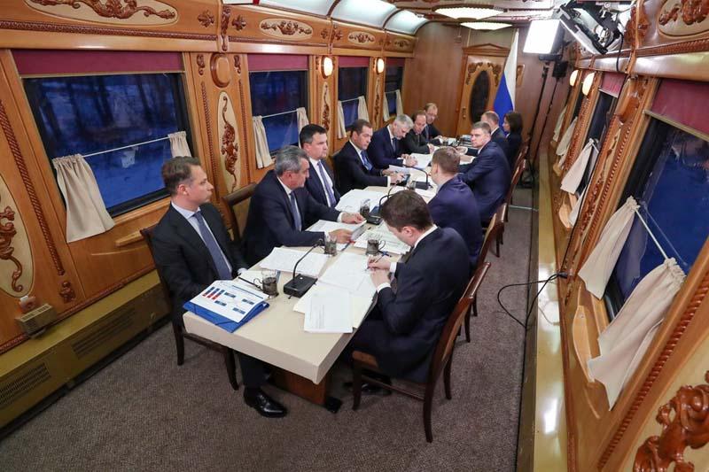в президентском спецпоезде нет роскошного убранства.