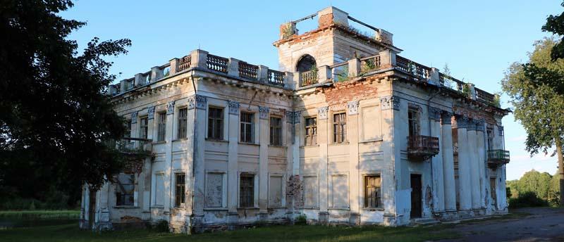 Дворец на воде в Жемыславле